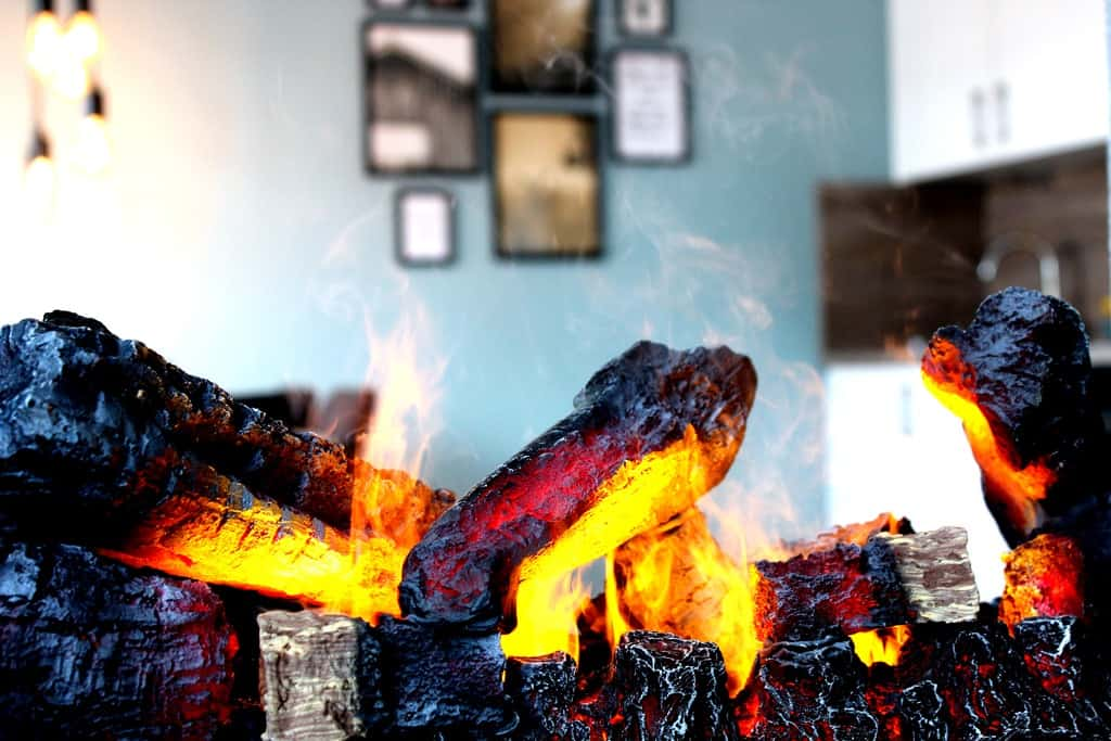 Ferienhaus Marta am Diemelsee ungefährliche Feuer im Elekokamin