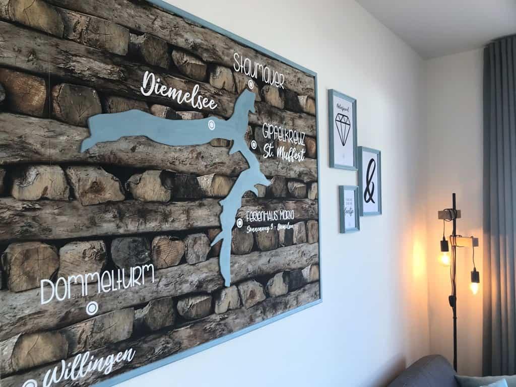 Ferienhaus Marta am Diemelsee Landkarte im Wohnzimmer